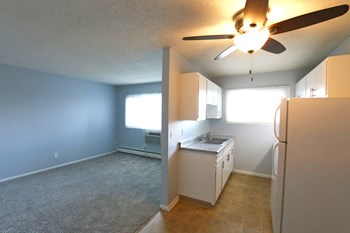 2455 2Nd St. N Studio-2 Beds Apartment for Rent Photo Gallery 1