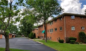 450/476 75th Ave. NE. 1-2 Beds Apartment for Rent Photo Gallery 1