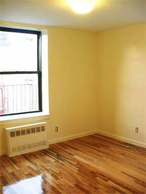 651 Southern Boulevard Studio 3 Beds Apartment For Rent Photo Gallery 1