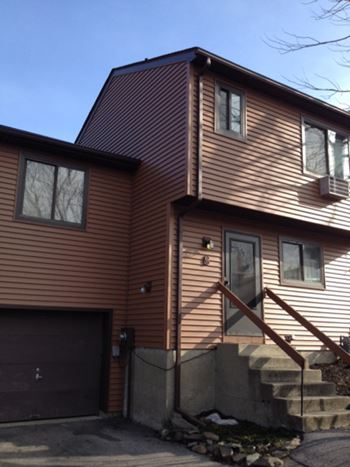 15 Aspen Court 4 Beds Condo for Rent Photo Gallery 1