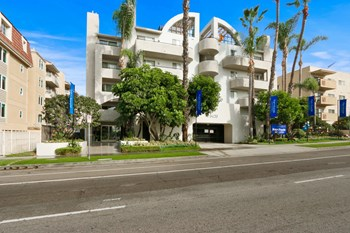3420 South Sepulveda Blvd Studio-2 Beds Apartment for Rent Photo Gallery 1