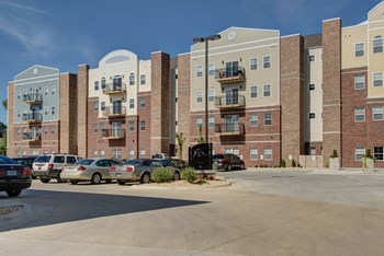940 S. Roanoke 2-4 Beds Apartment for Rent Photo Gallery 1