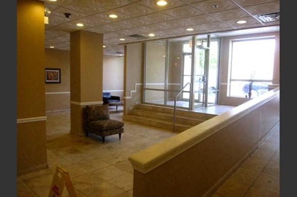 Magnificent 2 Bed 2 Bath Condo Apartments 405 E Oakwood Chicago Il Rentcaf
