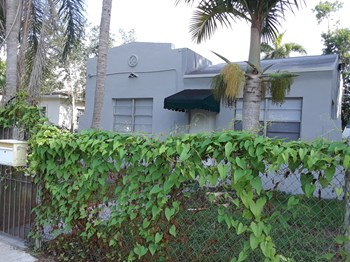 735 NE 86th St 2 Beds House for Rent Photo Gallery 1
