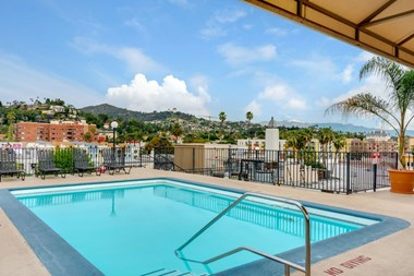 1660 Wilton Place Studio-2 Beds Apartment for Rent Photo Gallery 1