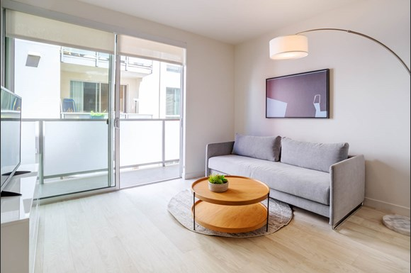 Santa Monica Luxury Apartment 1427 7th