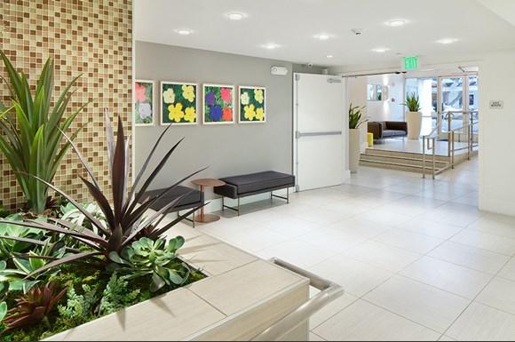 Santa-Monica-Luxury-Apartments-1548-6th-interior-Lobby