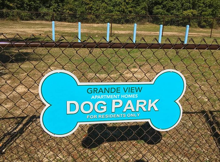 Fenced Dog Park at Grande View Apartment Homes, 151 Grande View Drive