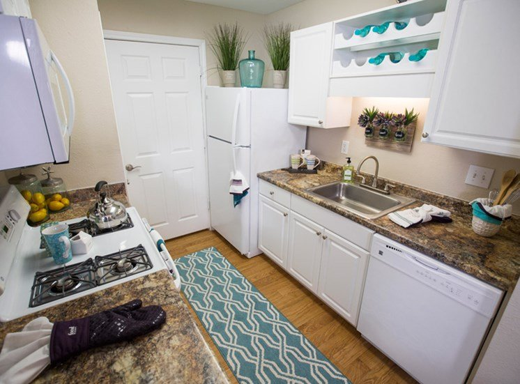 Fully-Upgraded Kitchens  at Grande View Apartment Homes, Mississippi