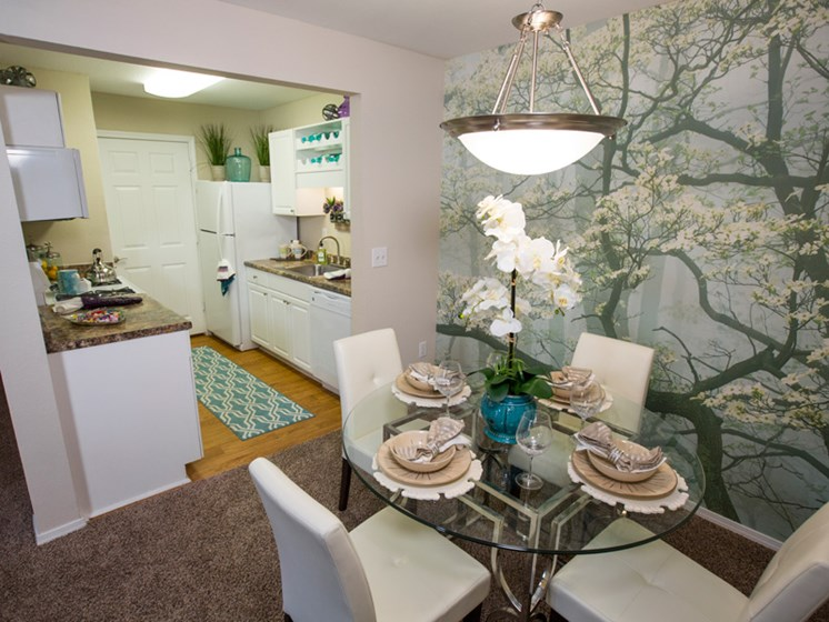 Spacious Open Dining Area at Grande View Apartment Homes, MS 39531