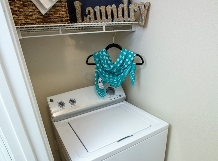 Washer and Dryer at Grande View Apartment Homes, Mississippi 39531