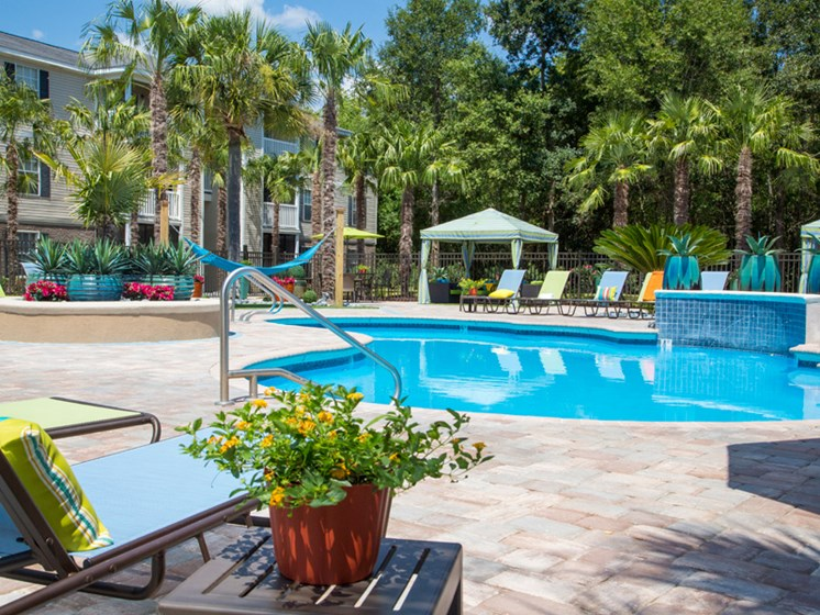 Resort-style Pool at Grande View Apartment Homes, MS 39531