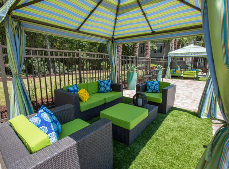 Poolside Cabanas at Grande View Apartment Homes, Mississippi 39531