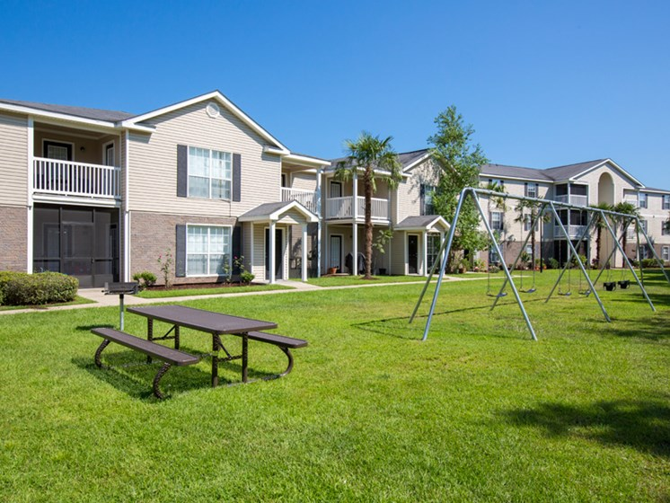 Lush Landscaping at Grande View Apartment Homes, Biloxi