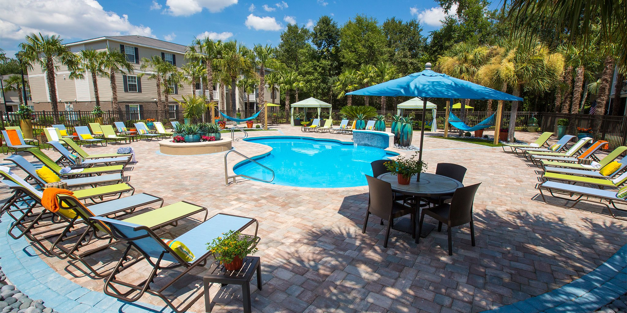 Large Swimming Pool at Grande View Apartment Homes, Biloxi