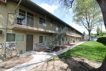 117 - 123 Cottage St. A-M 1 Bed Apartment for Rent Photo Gallery 1