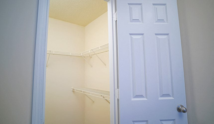 closet in apartment for rent near short pump VA