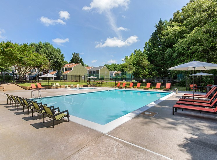 Hanover Crossing Apartments Poolside