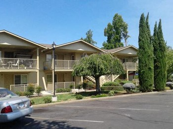 755 Stevens St. 1 Bed Apartment for Rent Photo Gallery 1