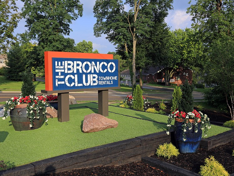The Bronco Club Townhomes In Kalamazoo, MI Near Western Michigan University