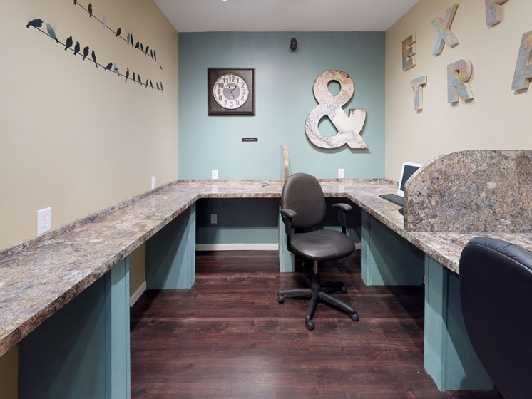 Business Center at The Bronco Club Townhomes  in Kalamazoo, MI near Western Michigan University