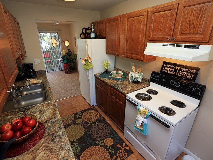 Well-Appointed Kitchens  At The Bronco Club Townhomes In Kalamazoo, MI Near Western Michigan University