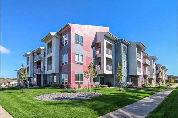 Infinity Apartments 5850 Charon Lane Madison Wi Rentcaf