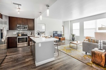 2190 E 11Th Avenue 2 Beds Apartment for Rent Photo Gallery 1