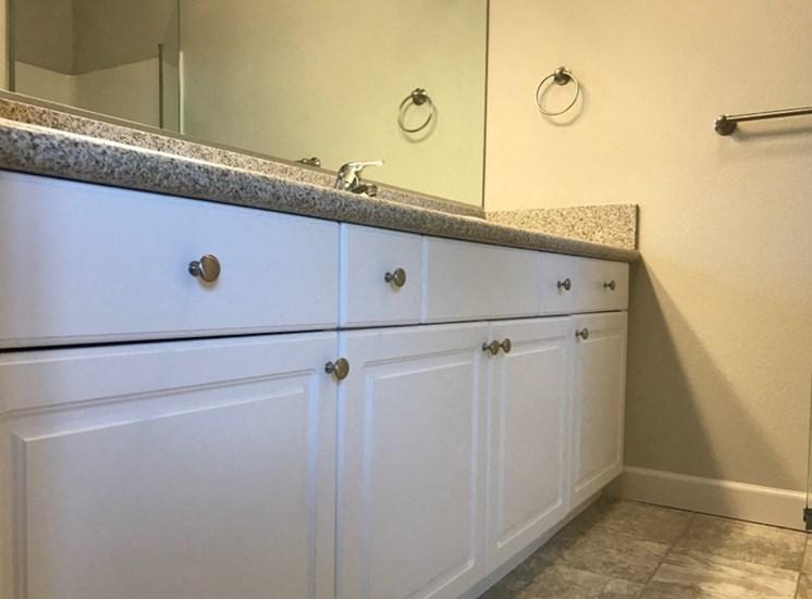 Maroa Court Bathroom