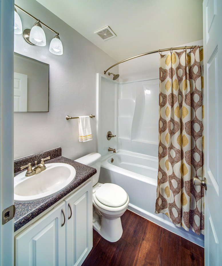 Grand Oaks Apartment Homes Riverview, FL 33578 Bathroom