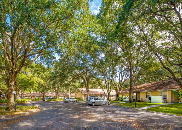 Grand Oaks Apartment Homes Riverview, FL 33578 Parking