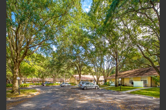 Grand Oaks Apartment Homes 10103 Sherwood Ln Riverview
