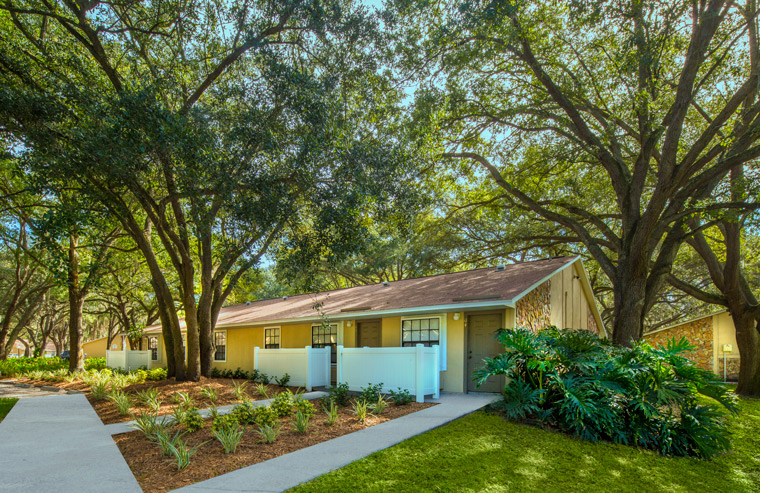 Grand Oaks Apartment Homes Riverview, FL 33578
