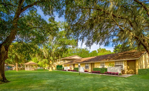 Grand Oaks Apartment Homes Riverview, FL 33578 Live Oaks
