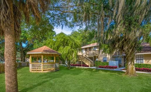 Grand Oaks Apartment Homes Riverview, FL 33578 Gazebo