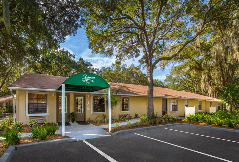 Grand Oaks Apartment Homes Riverview, FL 33578 Leasing Office