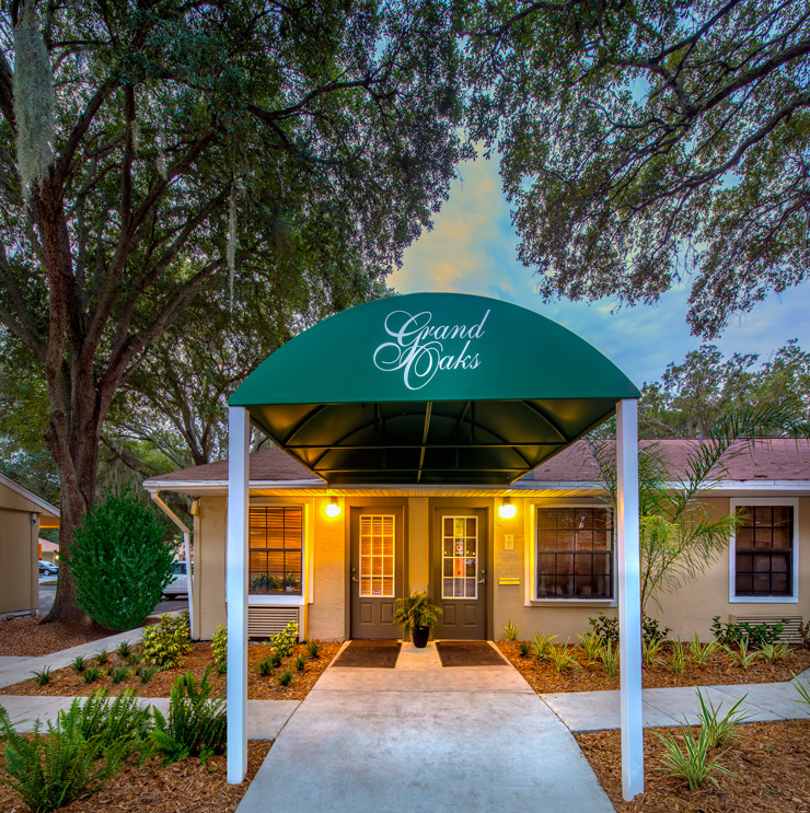 Grand Oaks Apartment Homes Riverview, FL 33578 Leasing Office Entrance