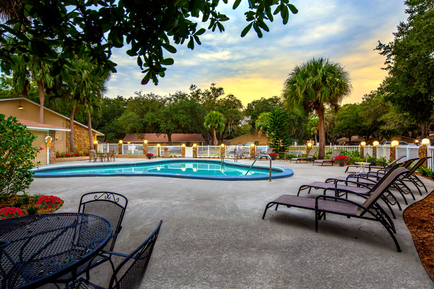 Grand Oaks Apartment Homes Riverview, FL 33578 Sun Deck