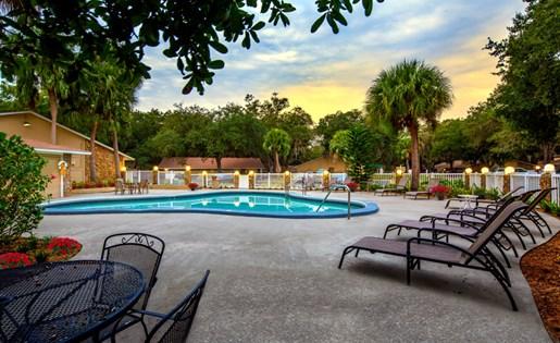 Grand Oaks Apartment Homes Riverview, FL 33578 Sun Deck