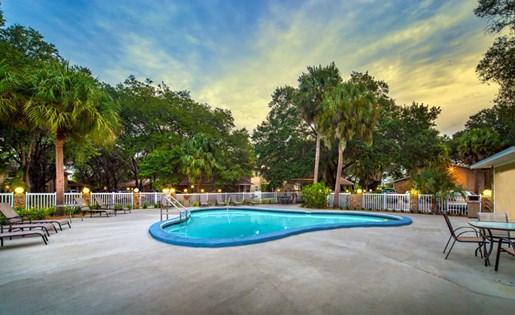 Grand Oaks Apartment Homes Riverview, FL 33578 Pool