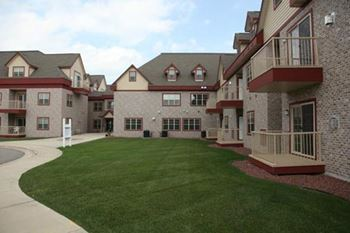 881 Liberty Boulevard 1-2 Beds Apartment for Rent Photo Gallery 1