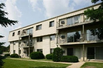 2301 Traceway Drive 1-2 Beds Apartment for Rent Photo Gallery 1
