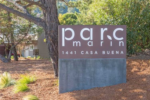 Monument Sign l Parc Marin Apartments