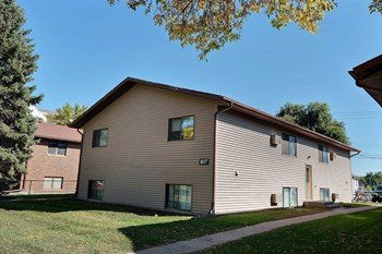 1027 16Th St N 2 Beds Apartment for Rent Photo Gallery 1