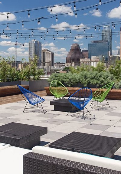 rooftop east austin apartments
