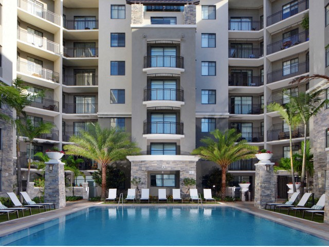 Apartments In Ft Lauderdale, FL   The Edge At Flagler Village Apartments  Pool