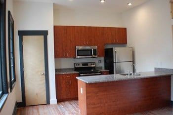 412 E. Grace Street 3 Beds Apartment for Rent Photo Gallery 1