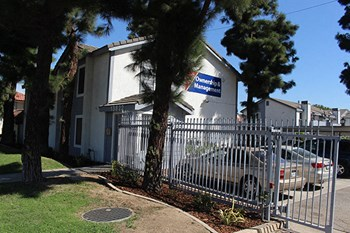 13822 Arthur Ave. 2 Beds Apartment for Rent Photo Gallery 1