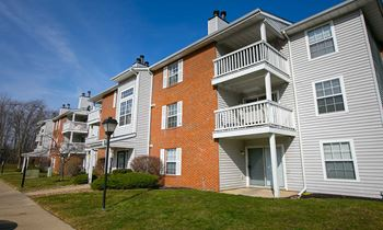1575 Hunters Chase Dr 1-2 Beds Apartment for Rent Photo Gallery 1