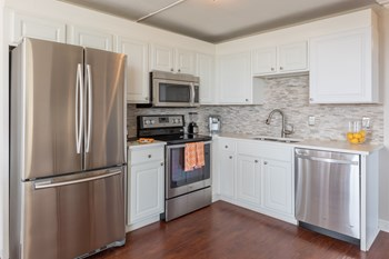 1037 Howell Place Studio-2 Beds Apartment for Rent Photo Gallery 1